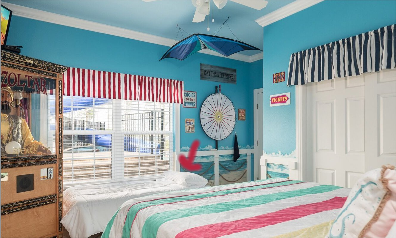 Bedrooms - Lots of bedrooms - Many bedrooms in this Florida luxury vacation rental
