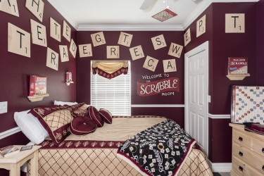 Scrabble bedroom at The Great Escape Lakeside - Orlando Area